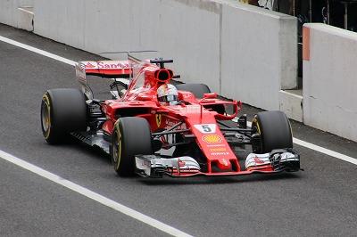 新宿ラクル美容外科クリニック 山本厚志 F1日本グランプリ スクーデリア・フェラーリ セバスチャン・フェテル